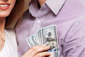 Vợ chồng xài tiền chung hay riêng?