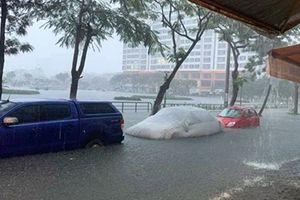 Đà Nẵng 'thất thủ' trong cơn mưa sáng sớm 9-12