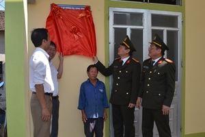 Bàn giao 2 ngôi nhà tình nghĩa tại Nghệ An