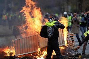 Pháp bắt giữ gần 1.000 người trong cuộc biểu tình bạo loạn