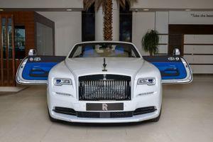 Rolls-Royce Dawn phối màu độc đáo ở Abu Dhabi