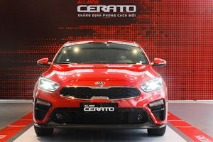 Kia Cerato mới cập bến đại lý, giá từ 559 triệu đồng