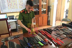 Hà Nội: Triệt phá ổ nhóm buôn vũ khí nóng