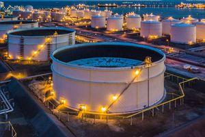 Giá dầu giảm theo thị trường chứng khoán toàn cầu
