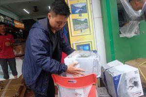 Đà Nẵng ngày đầu tiên sau khi nước rút: Toàn thành phố tất bật dọn dẹp