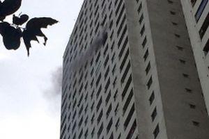 Cháy lớn tại tầng 31 chung cư HH3B Linh Đàm