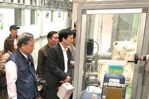Hội nhà báo các tỉnh Bắc miền Trung đi thực tế nhà máy sản xuất sữa TH