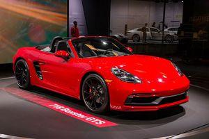 Chiêm ngưỡng vẻ đẹp siêu xe mui trần của Porsche