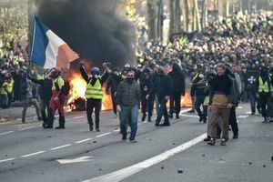 Nga bị tố đứng sau phong trào biểu tình Áo vàng ở Pháp