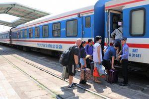VNR bổ sung 50 chuyến tàu ở 'cự ly vàng' phục vụ Tết dương lịch