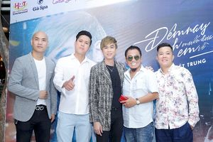 Danh hài Hồng Tơ bất ngờ xuất hiện chúc mừng Hồ Việt Trung ra mắt MV mới