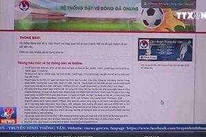 Nhiều người vẫn không thể mua vé bóng đá online