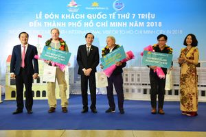Thành phố Hồ Chí Minh đón vị khách quốc tế thứ 7 triệu