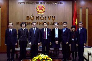 Thứ trưởng Bộ Nội vụ Trần Anh Tuấn tiếp xã giao Đại sứ Cộng hòa Pháp tại Việt Nam