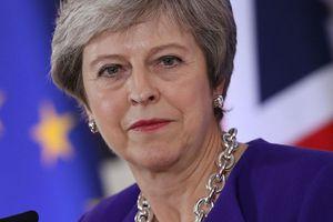 Sức ép nhiều phía đối với Thủ tướng Anh trước phiên bỏ phiếu Brexit