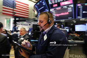 Khối ngoại xả mạnh cổ phiếu bluechip, bán ròng hơn 75 tỷ đồng trong phiên 10/12