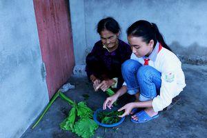 Hành trình vượt qua nghịch cảnh của nữ sinh 17 tuổi mang 2 dòng máu Việt – Trung: 'Em chỉ mong học hết lớp 12 rồi kiếm tiền nuôi gia đình'