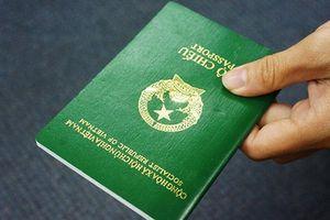 Mới: Bộ Công an đề xuất gắn chíp điện tử vào hộ chiếu