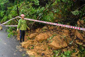 Hiện trường sạt lở trên núi Sơn Trà
