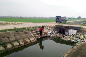 Hệ thống thủy lợi Liễn Sơn 'oằn mình' chịu ô nhiễm