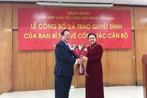 Trao quyết định bổ nhiệm Bí thư Đảng đoàn Liên hiệp các tổ chức hữu nghị Việt Nam
