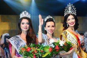 Châu Ngọc Bích đăng quang Mrs Universe 2018