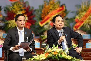 Sinh viên Việt Nam 'hỏi khó' lãnh đạo bộ, ngành