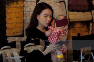 Trà Ngọc Hằng vừa sinh con 4 tháng, tiết lộ đang làm mẹ đơn thân