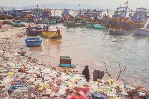 Thiếu công nghệ xử lý rác thải nhựa thải ra biển và đại dương