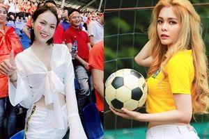 Các hotgirl trổ tài dự đoán tỉ số và tiết lộ món quà bất ngờ dành tặng các cầu thủ Việt Nam