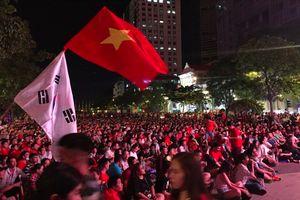 TP HCM hạn chế xe vào trung tâm để phục vụ người dân cổ vũ bóng đá