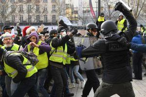 Bị cáo buộc kích động biểu tình ở Pháp, Nga đáp trả đanh thép