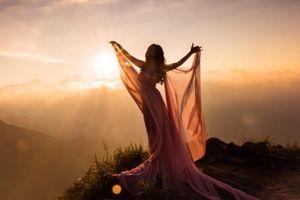 Phạm Thu Hà tràn đầy năng lượng trong 'Vũ điệu bình minh'