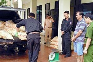 Xe tải chở 625kg cyanua bị bắt giữ ở Quảng Nam