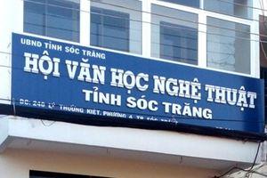 Cho thôi việc Phó Chủ tịch Hội Văn học nghệ thuật tỉnh Sóc Trăng