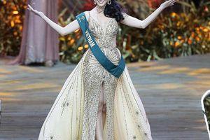 Bị tố dùng 'thủ thuật' để đăng quang, Hoa hậu Phương Khánh vẫn bình thản