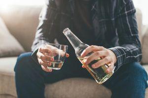 Rượu bia đang dần giết chết tinh trùng của nam giới