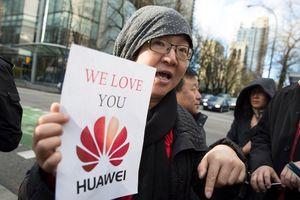 Mỹ bắt 'công chúa' Huawei, Apple có thể thành bia đỡ đạn tại TQ