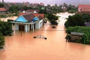 Hà Nội hỗ trợ 80 triệu đồng cho 7 gia đình bị thiệt hại do mưa lũ gây ra tại miền Trung