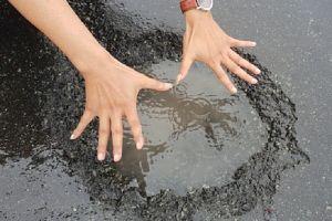 Sau mưa lũ, 'ổ gà' lại xuất hiện trên cao tốc hơn 34.000 tỉ