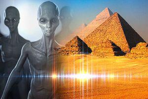 Lộ bằng chứng gây sốc UFO từng tới kim tự tháp