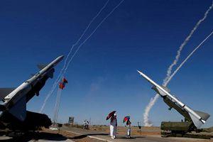 Nga bất ngờ triển khai hệ thống 'rồng lửa' S-300 đến gần tên lửa Mỹ