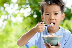 Chuyên gia mách nước giúp trẻ thấp còi nhanh chóng tăng cân