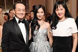 Nhan sắc mỹ nữ 13 tuổi bố mẹ mới cho biết là nhà 'siêu giàu', danh tiếng thống trị toàn Châu Á