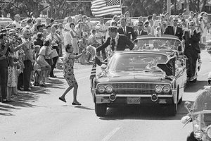Những nghi vấn về vụ ám sát cựu Tổng thống Mỹ Kennedy