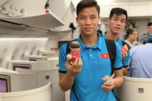 Những hình ảnh đầu tiên của đội tuyển bóng đá Việt Nam tại sân bay Kuala Lumpur làm thủ tục về Hà Nội