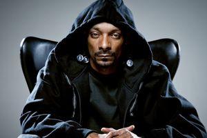 Rapper Snoop Dogg: Người được đồn đoán kết hợp cùng Sơn Tùng đình đám đến mức nào?