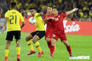 Báo châu Á: Malaysia chơi tốt hơn Việt Nam, đáng ra Duy Mạnh phải bị thẻ đỏ