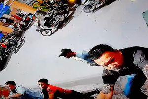 Nhóm côn đồ mang cưa máy, dầu nhớt đến 'khủng bố' nhà người dân ở TP.HCM