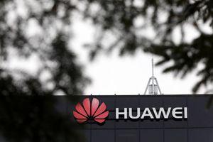Đang ''nóng'' vụ Huawei, Trung Quốc bắt giữ cựu nhân viên ngoại giao Canada